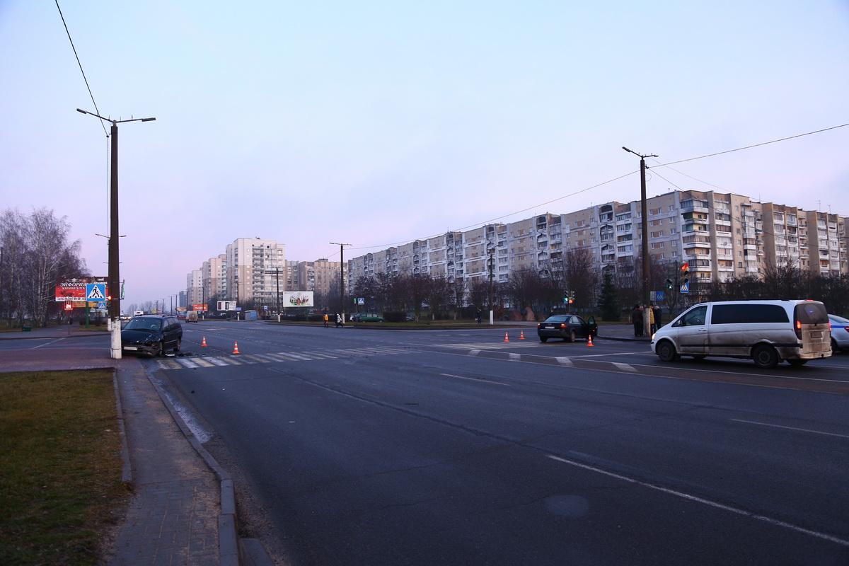 Авария на проспекте Советском. Фото: Александр КОРОБ