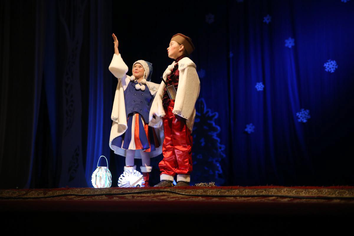 Юные помощники Деда Мороза. Фото: Диана КОСЯКИНА
