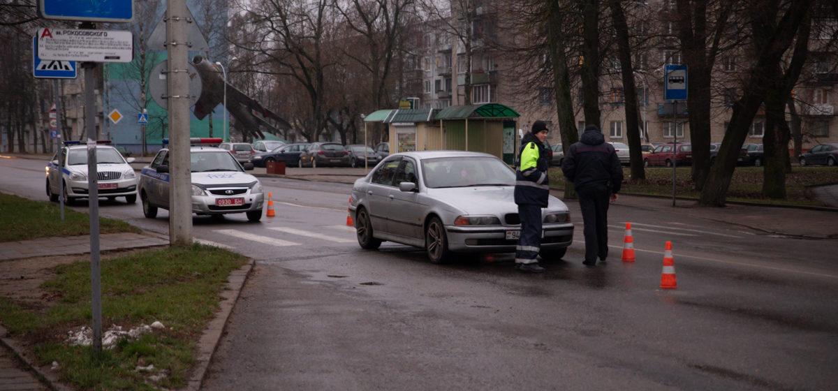 Новости. Главное за 5 декабря: с 1 января белорусы будут по-новому ввозить из-за границы некоторые товары, в Барановичах BMW сбил пешехода, и надолго ли вернулось тепло