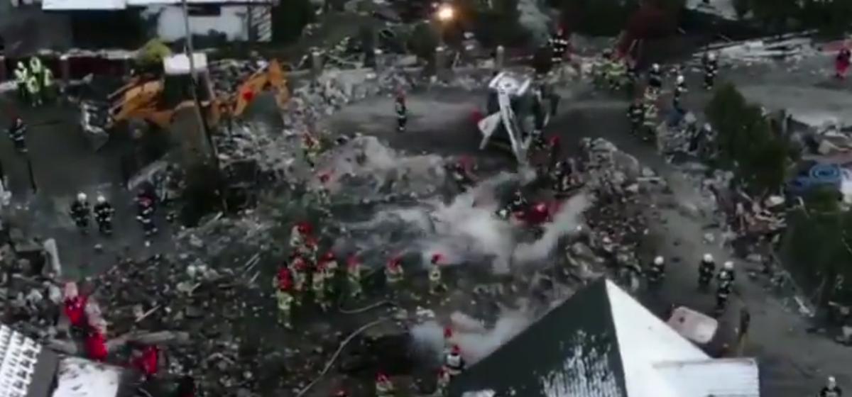 На польском курорте в жилом доме взорвался газ — погибли восемь человек, из которых четверо дети. Видео