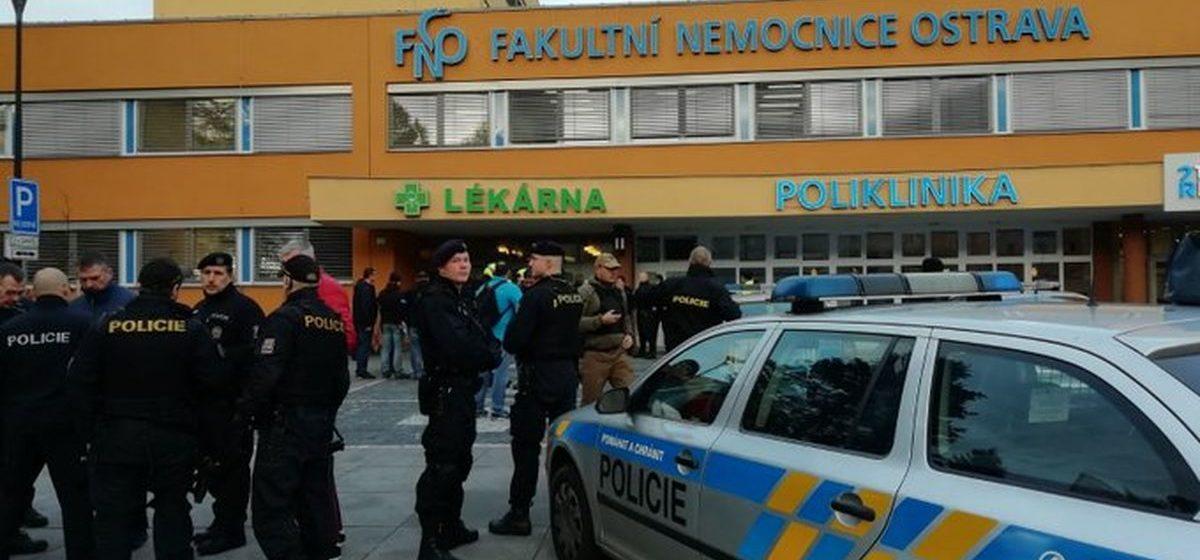 В чешской больнице неизвестный мужчина открыл стрельбу по пациентам и персоналу — погибли 6 человек