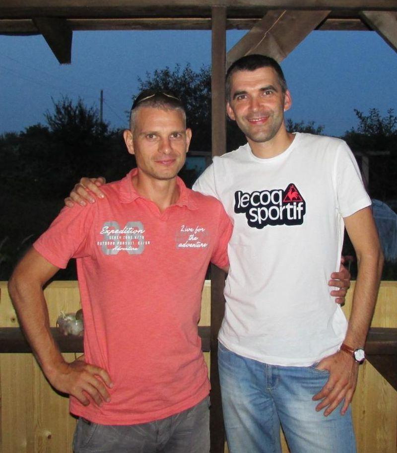 Андрей Жук (слева) и его школьный друг Игорь Шестак. Барановичи, 2015 год. Фото: архив Игоря ШЕСТАКА
