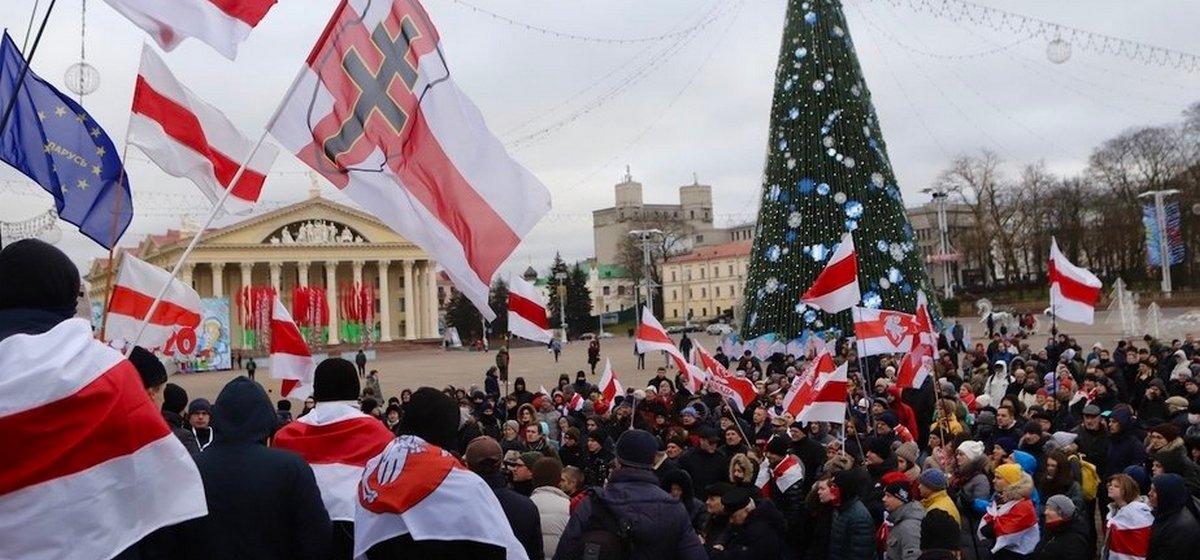 Участников акций против интеграции с Россией вызывают в милицию