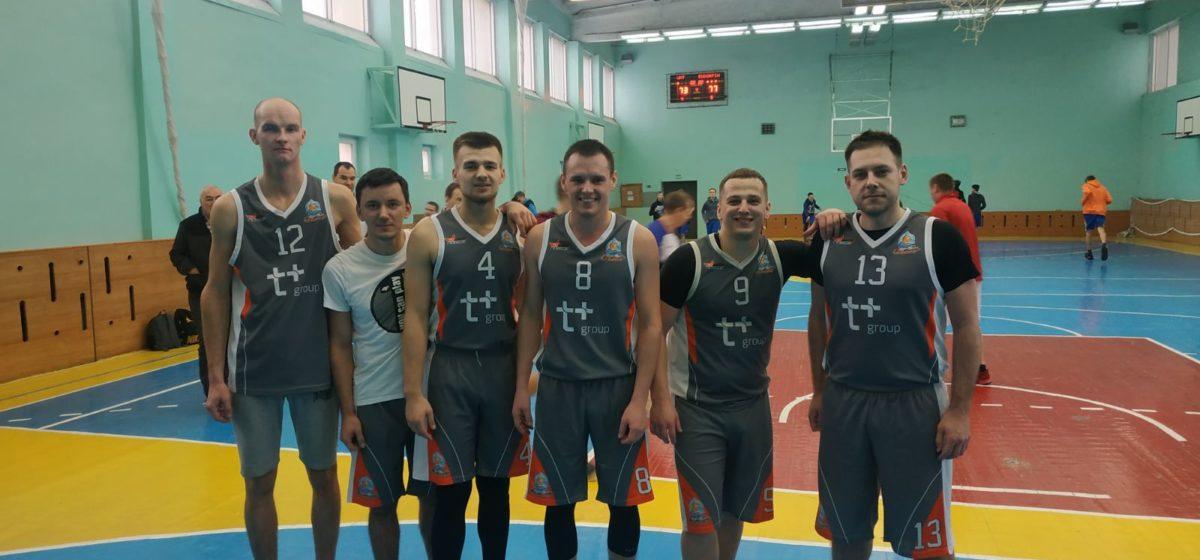 «Эндорфин» в действии. Барановичские баскетболисты выиграли матч областной лиги