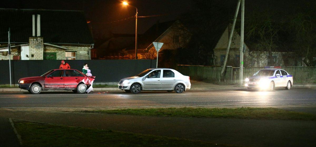 Фольксваген «догнал» Ауди в Барановичах. Фотофакт