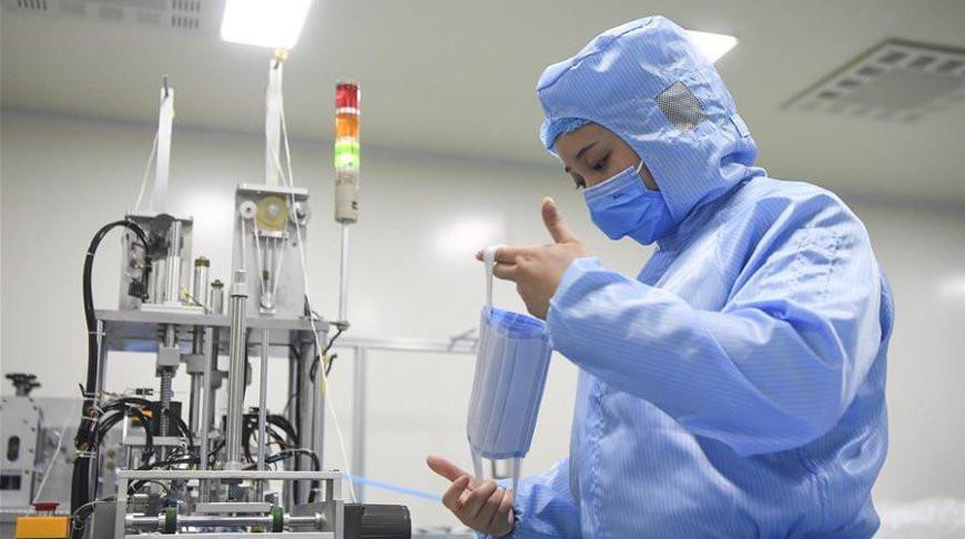Число жертв коронавируса в Китае продолжает расти