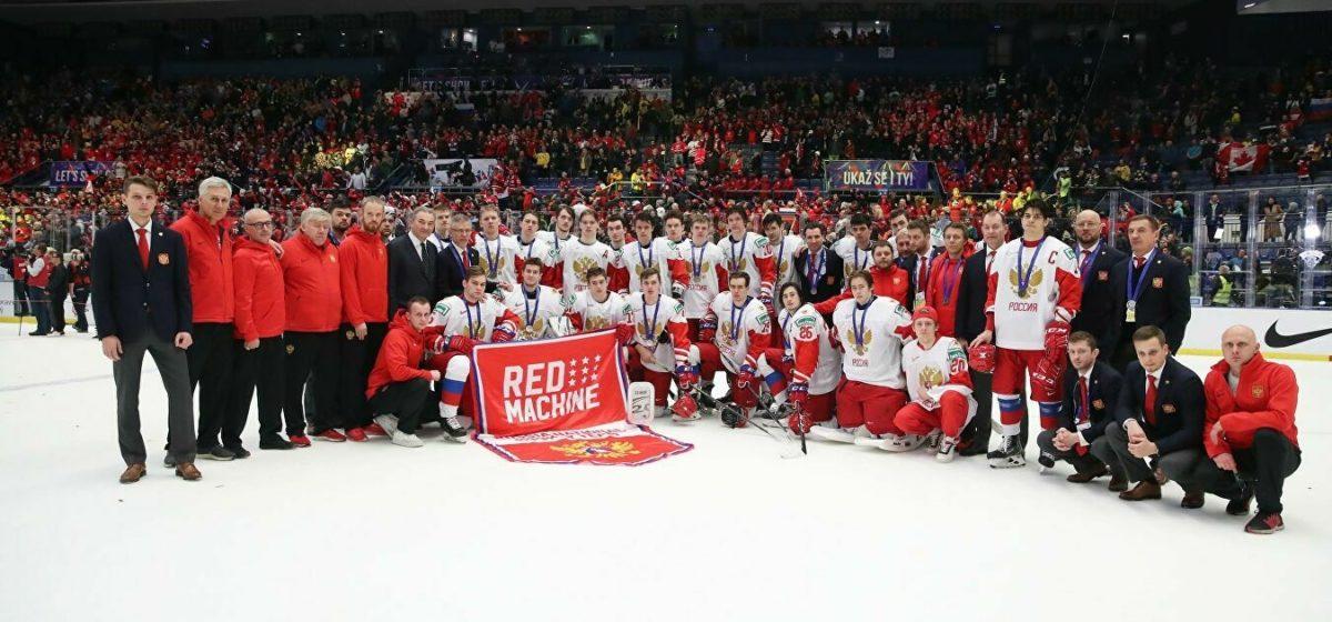 Зрители «Матч ТВ» отпраздновали победу над Канадой на молодежном ЧМ по хоккею. На самом деле Россия проиграла — а канал показывал архивную игру
