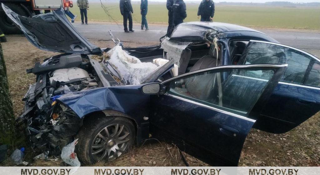 Смертельное ДТП Peugeot с трактором на Могилевщине: погиб водитель иномарки. Видео