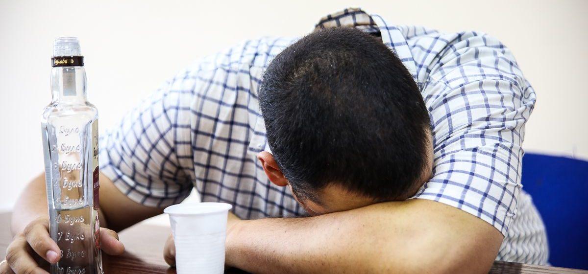В Славгороде 27-летнему мужчине не дали выпить, и он поджег дом с матерью и братьями
