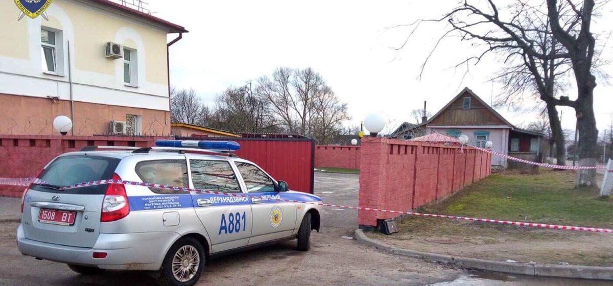 СК рассказал подробности происшествия в Верхнедвинске, где юноша ранил ножом двух милиционеров