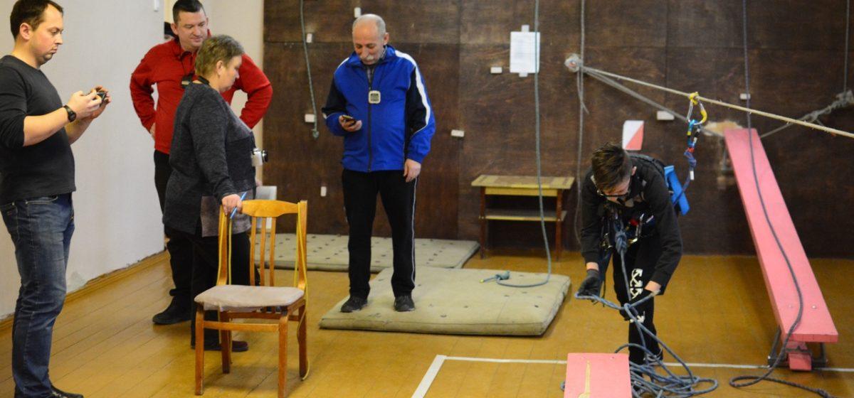 Кто отличился на школьных соревнованиях по технике горно-пешеходного туризма в Барановичах