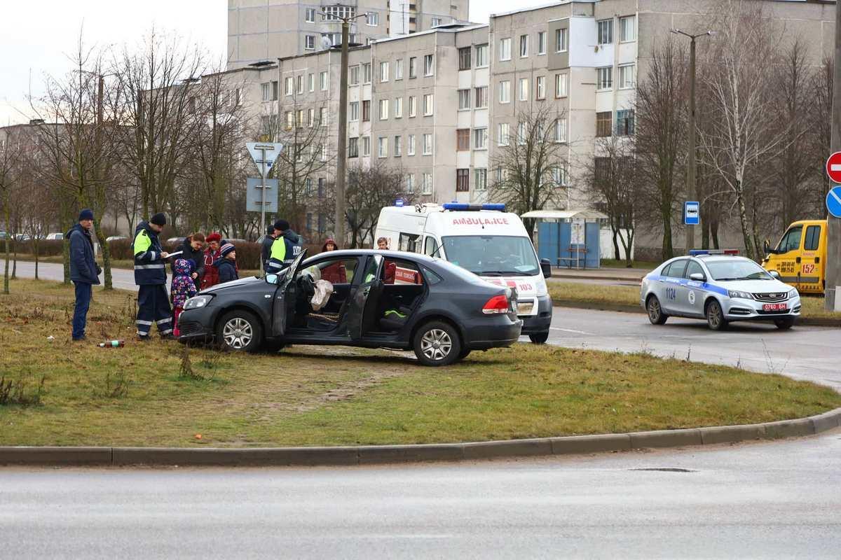 ДТП на проспекте Машерова, 11 января 2020 года. Фото: Александр КОРОБ