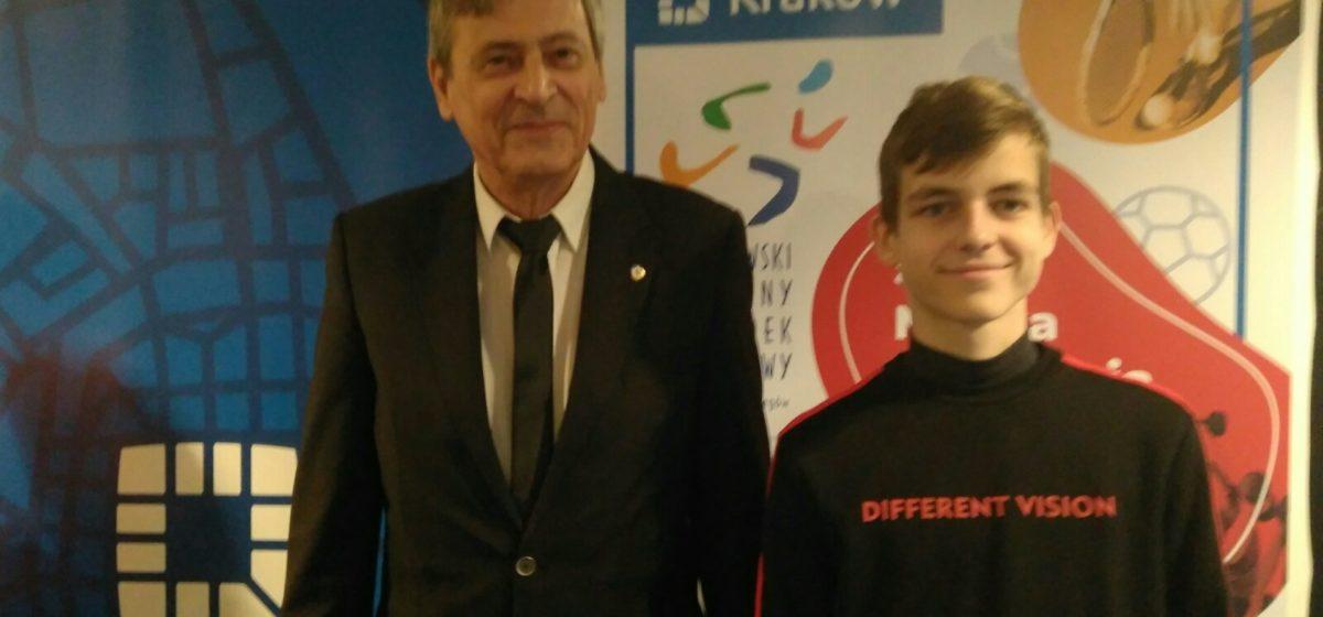 Барановичский школьник победил в международном турнире по шахматам