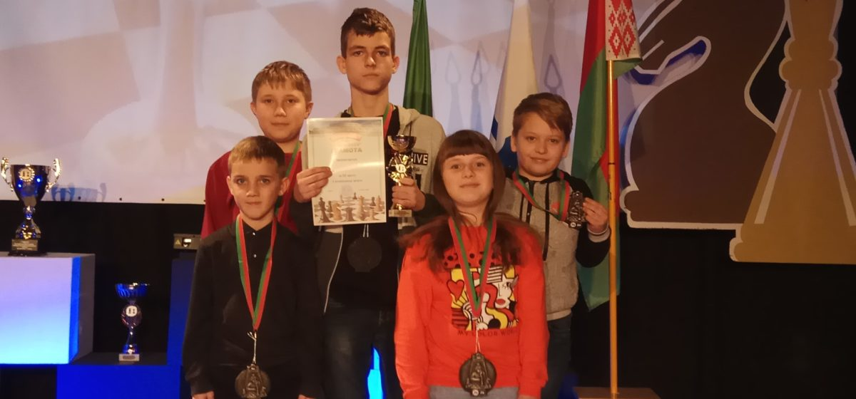 Шахматисты Барановичской ДЮСШ привезли медали международного турнира