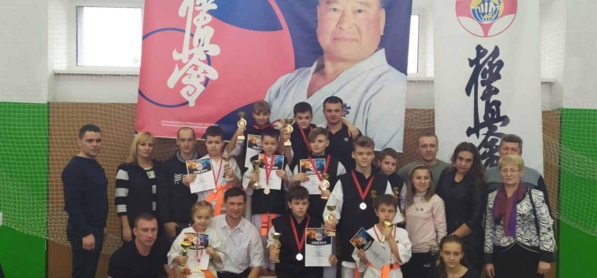 Барановичские школьники сделали «Шаг к вершине» каратэ Кекусинкай