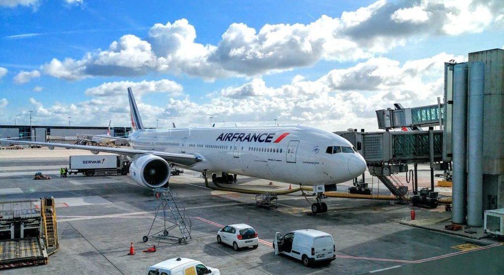 В стойке шасси самолета, прилетевшего в Париж, нашли тело 10-летнего ребенка