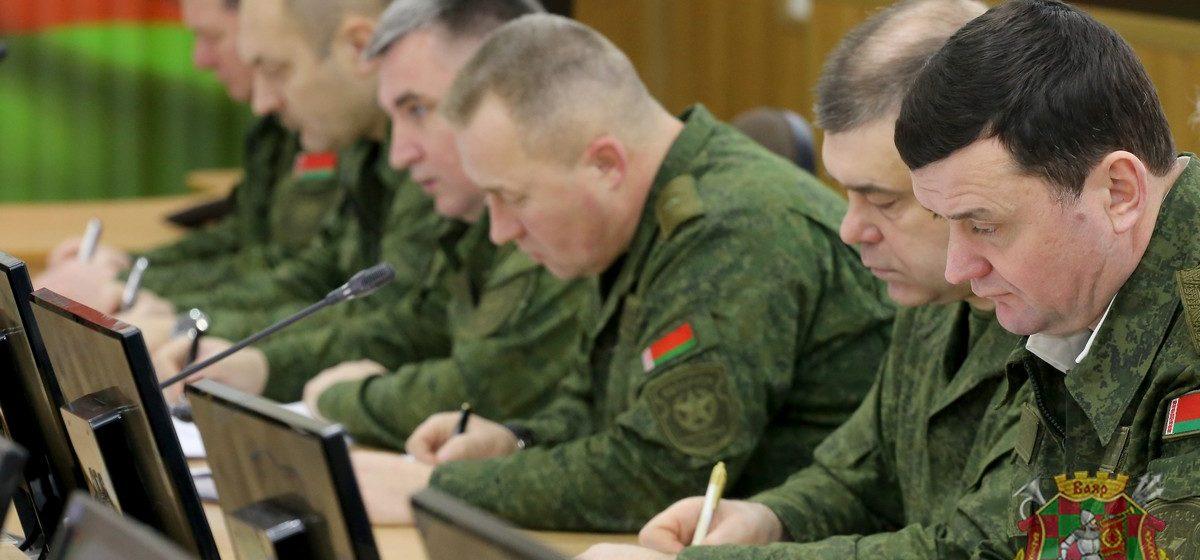 В вооруженных силах Беларуси началась проверка боевой готовности. Видео