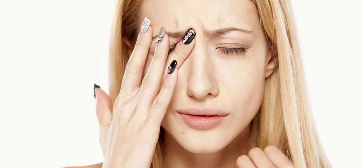 Почему дергается веко и какие заболевания это может вызвать