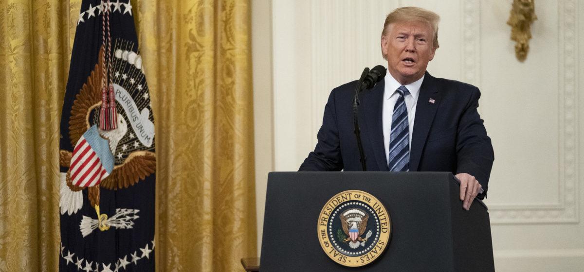 США пригрозили ударом по 52 объектам в Иране в случае атаки на американцев