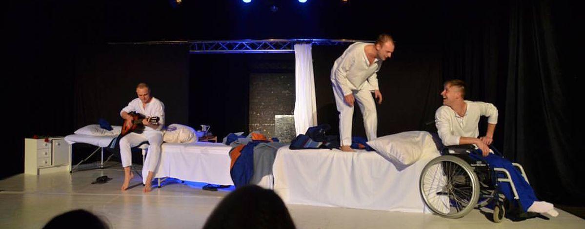 Спектакль «Дембельский поезд» в последний раз представит на сцене барановичский театр-студия «Параллель»