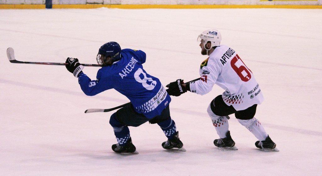 Хоккейный «Авиатор» продлил серию побед