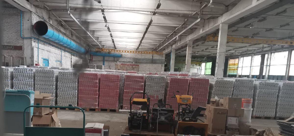 Тонны «подозрительного» сахара на складе сфотографировал житель Барановичей. Откуда сахар?