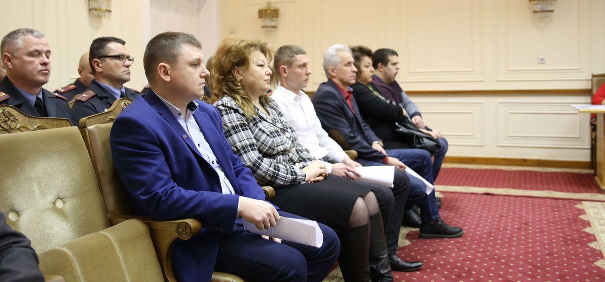 Председатель Барановичского горисполкома наградил лучших дружинников