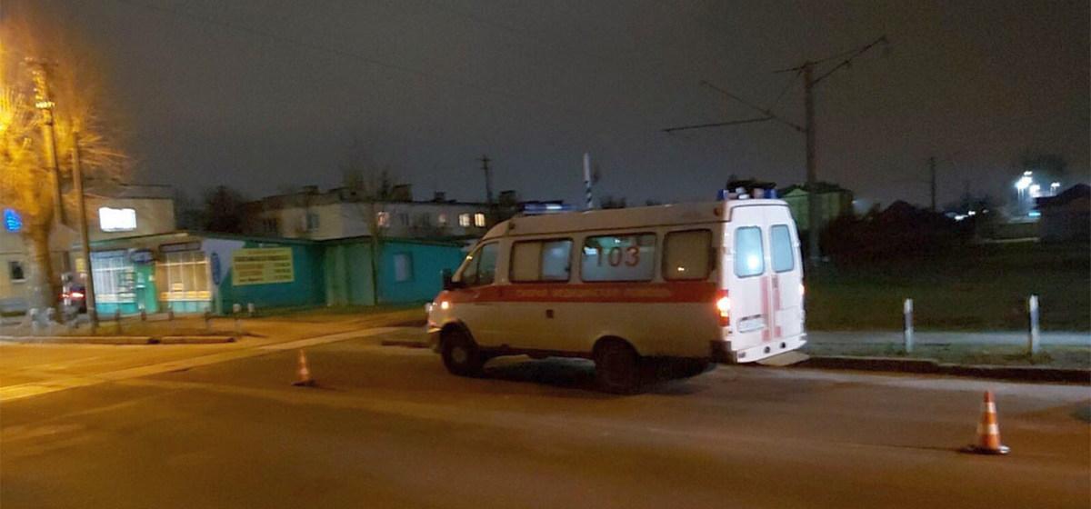 Поезд «зацепил» машину скорой помощи в Бресте