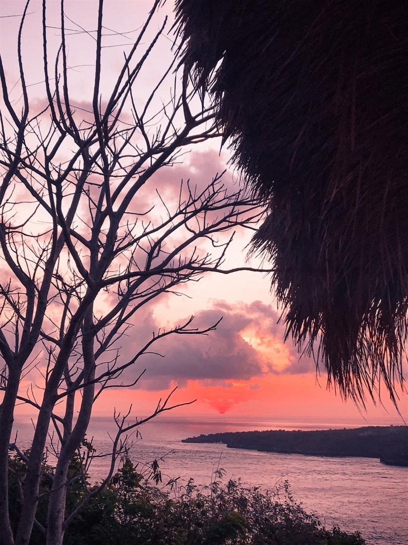 Закат на острове Нуса-Пенида. Фото: архив Максима БУЛАША
