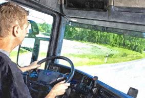 Так и живем. Водитель фуры рассказал о своих доходах и расходах. «Откладываем деньги только из зарплаты жены»