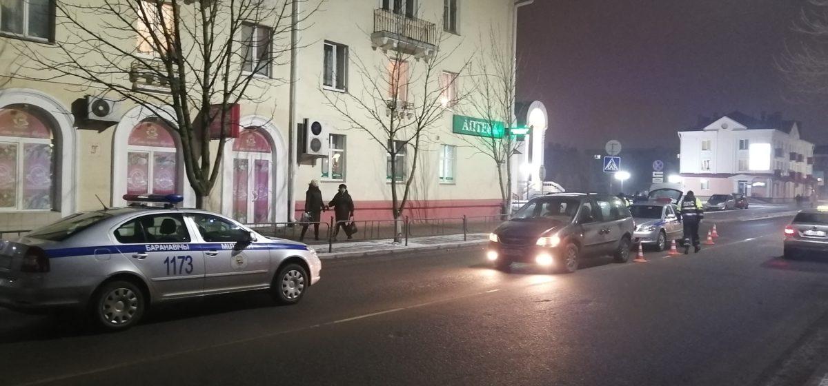В Барановичах в ДТП пострадала женщина. Фото
