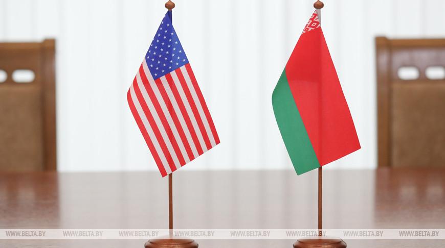 «Кулак Вашингтона – весомый аргумент». Эксперты – о сближении Беларуси и США и о том, как может отреагировать Россия