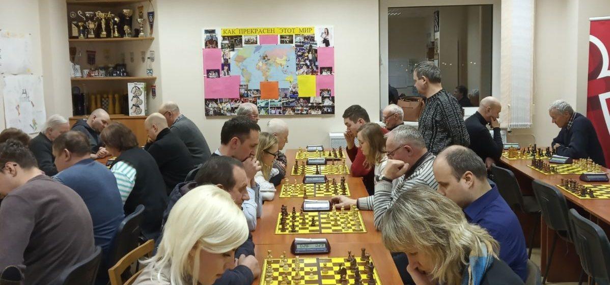 Какое предприятие выиграло шахматный этап городской Спартакиады в Барановичах?