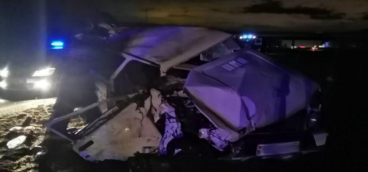 Страшная авария в Минском районе: «Нива» влетела под фуру