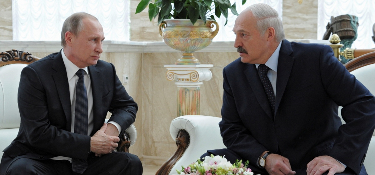 Отставка Лукашенко или конституционная реформа. Какие изменения в Беларуси удовлетворят Путина, пояснил экс-депутат ВС от БНФ