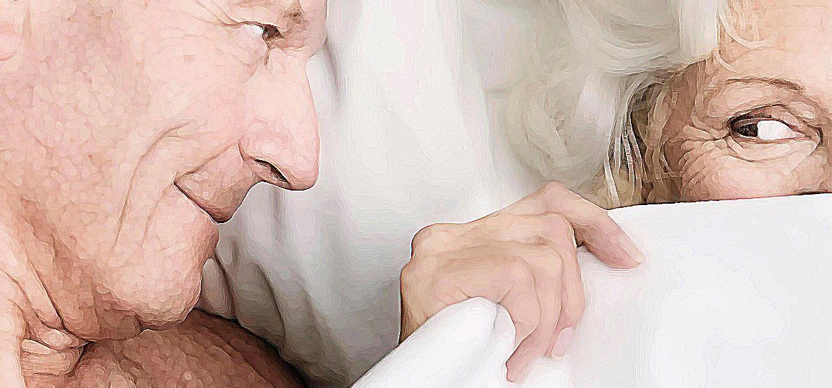 Отношения. Мой 70-летний супруг постоянно хочет секса, а мне это не надо. Что делать?