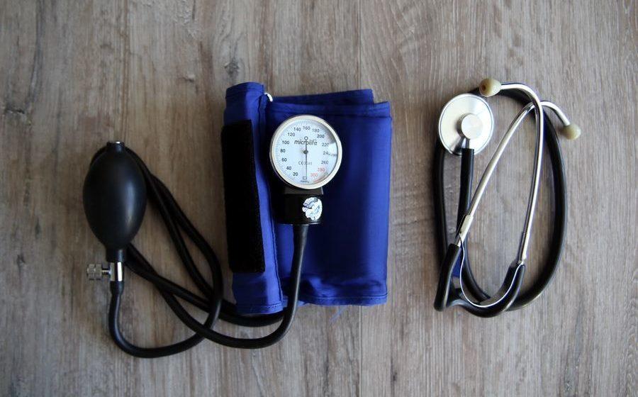 В барановичской аптеке бесплатно измеряют давление и расскажут, как распознать инсульт
