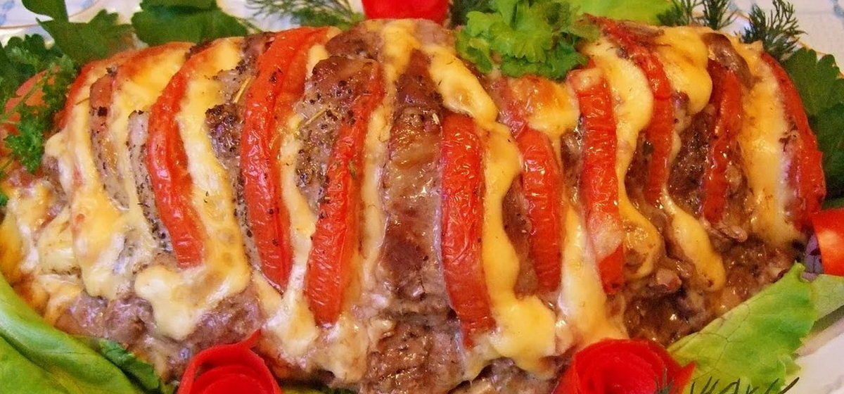 Вкусно и просто. Мясо «Гармошка» с помидорами в духовке