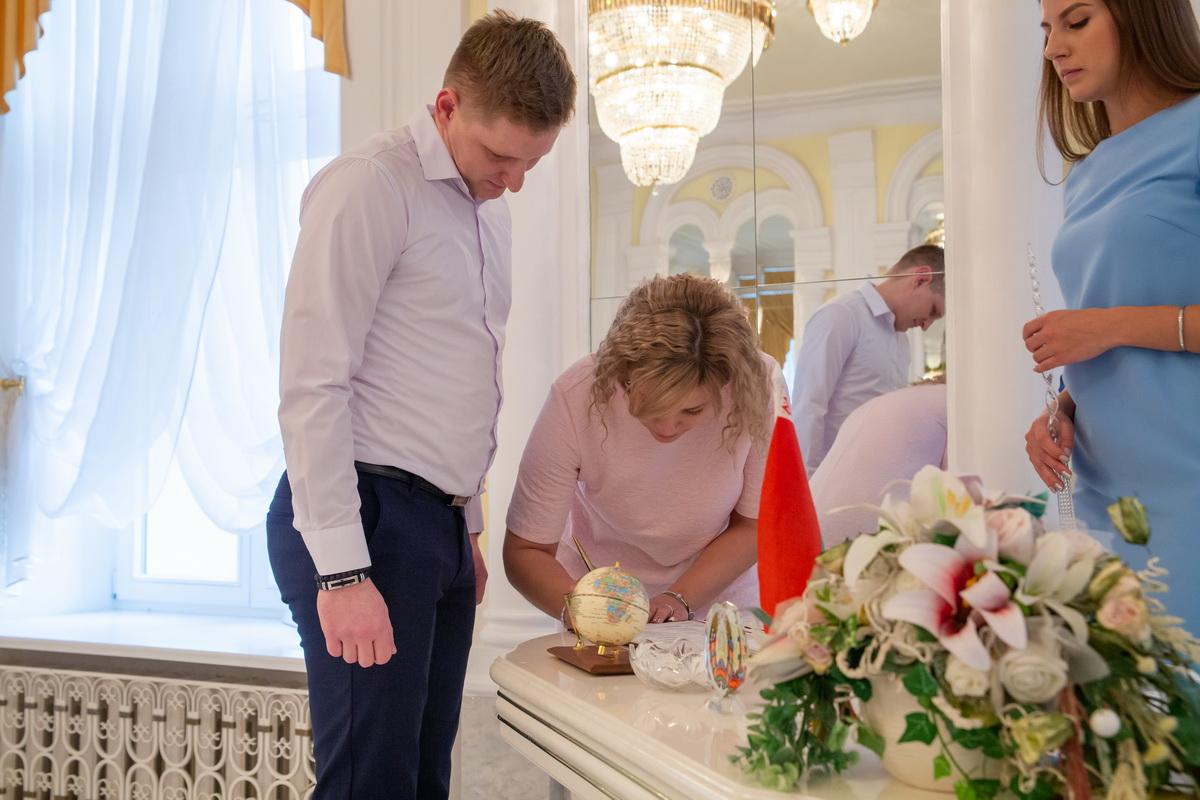 Артур Волочник и Татьяна Лисицына во время торжественной церемонии. Фото: Андрей БОЛКО