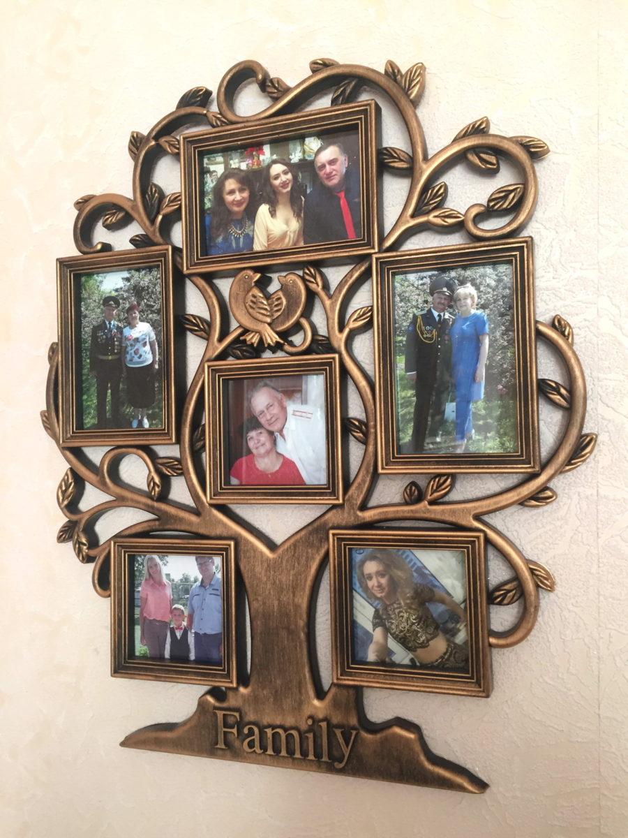 Галина Семеновна и Александр Степанович со своими детьми, внуками и первым правнуком. Фото: Диана КОСЯКИНА