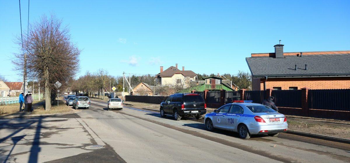 В результате ДТП в Барановичах Renault выбросило на встречку