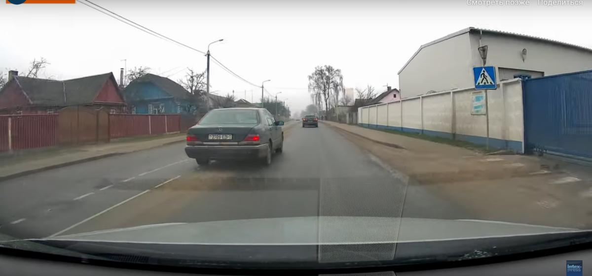 Как ездят в Барановичах: пересек сплошную, повернул, как захотел. Видеофакт