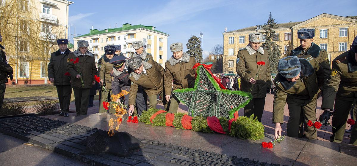 День защитника Отечества отметили в Барановичах. Фоторепортаж