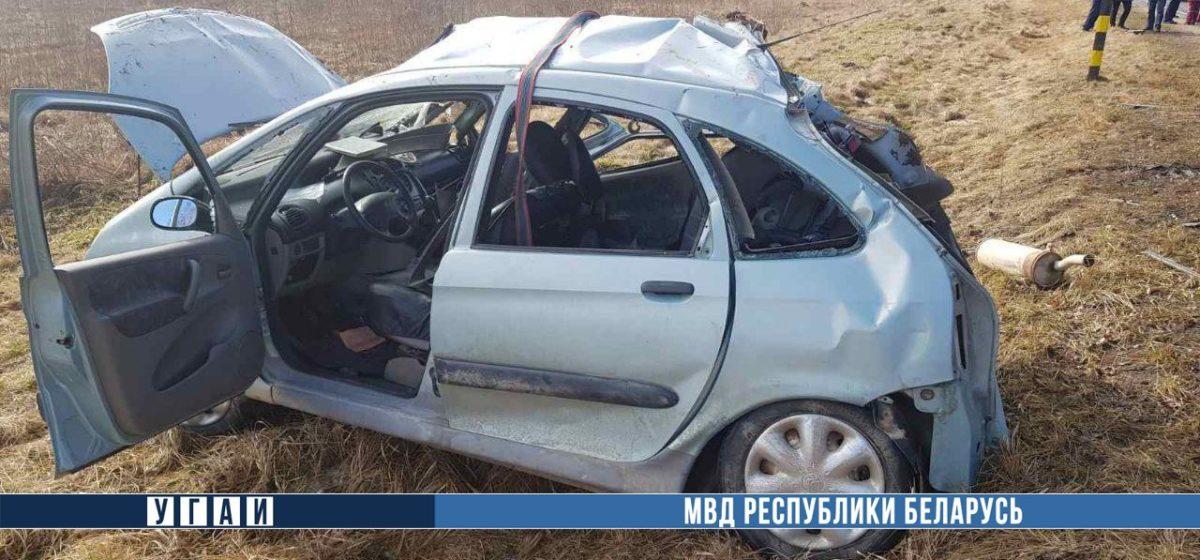 Два «Ситроена» лоб в лоб столкнулись в Островецком районе — погибла девушка