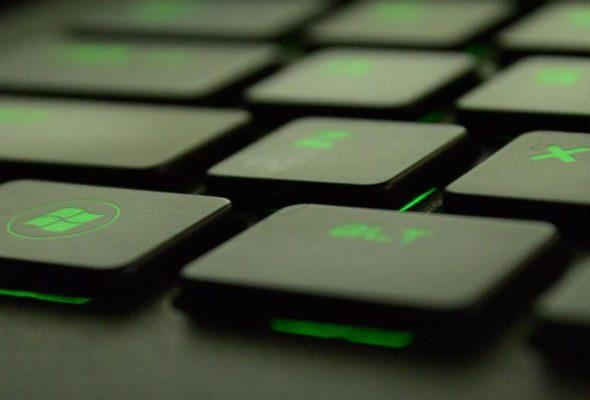 С лазерной гравировкой на клавиатуре ваш ноутбук станет уникальным