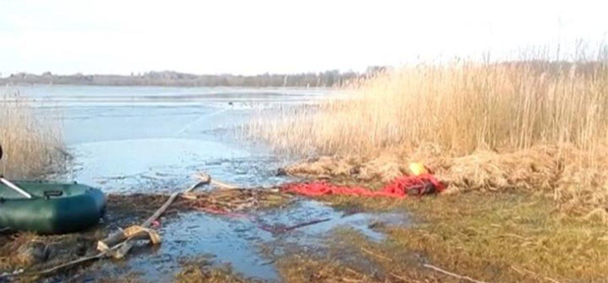 Рыбак провалился под лед в Ушачском районе, но успел позвонить матери, которая вызвала спасателей