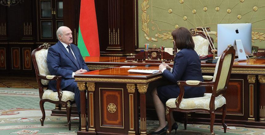 Лукашенко о коронавирусе и кризисе в экономике: «Я уже молю Бога, чтобы до Пасхи этот пик ушел вниз»