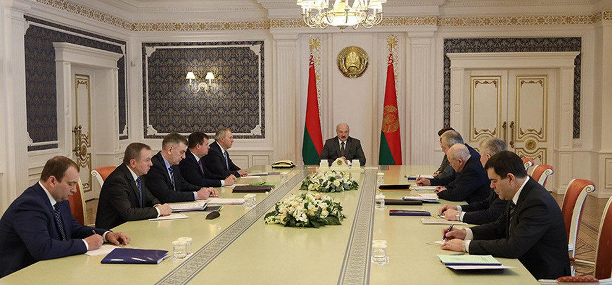 Лукашенко: Россия пошла на белорусские предложения по поставкам нефти