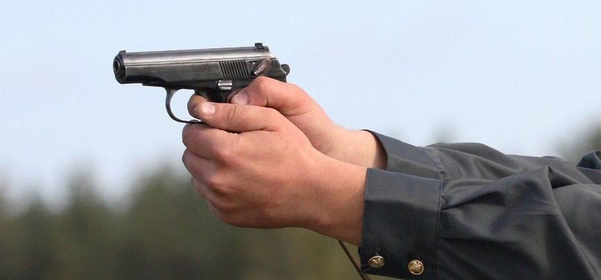 В Вилейском районе пьяный мужчина напал на сотрудника ГАИ – пришлось применить оружие