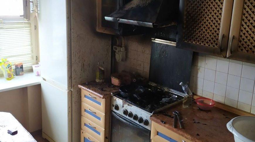 В Гродно девушка залила горящее масло водой и сожгла квартиру. Как правильно тушить масло